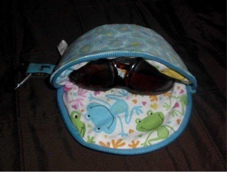 Sunny ist ein FreeBook für ein Brillenetui für große Brillen. Es ist ...