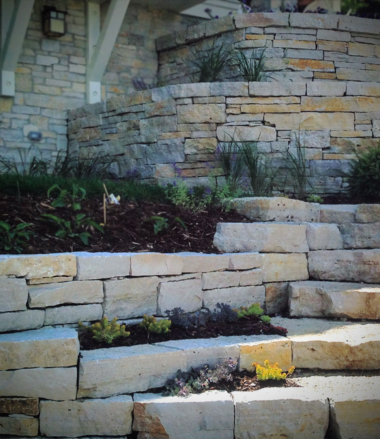 Dry Stacked Stone Retaining Wall Stone Step Landscape Design Veneer Stone In 2020 Stone Patio Designs Landscape Stone Landscape Design