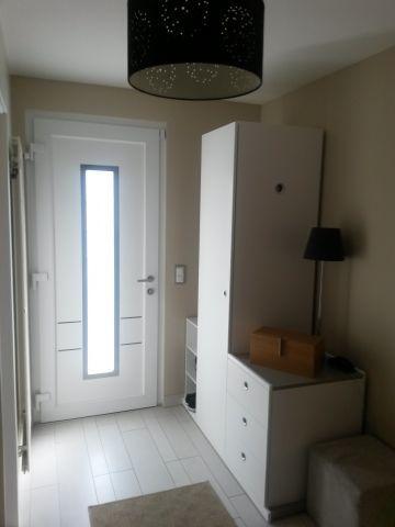 Porte d\u0027entrée Swiss Fermetures Porte en PVC blanc intérieur et gris