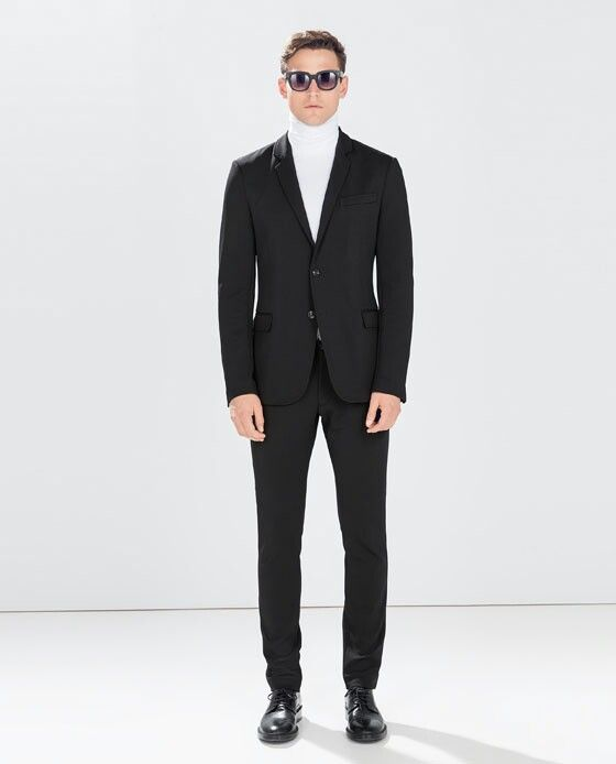 Traje negro con camisa cuello de tortuga blanco zara  527f2605728