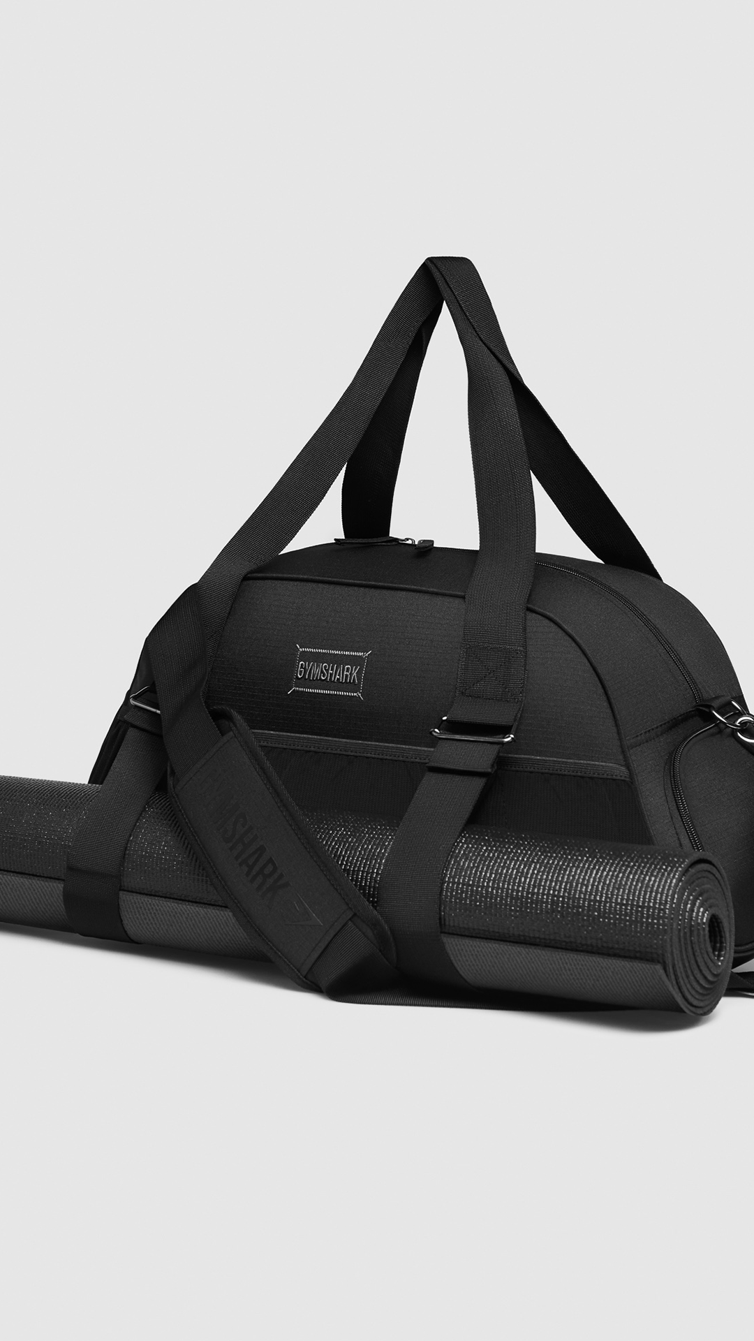 f83631bd14  Gymshark  Accessories  Bag  Gym  Fitness  Workout  Exercise  Black   Monochrome  Holdall