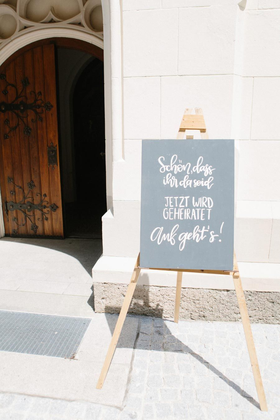 Hochzeitsideen Vor Der Kirche Valentinstag Hashtags Fotobox Ideen Hochz Der Fo In 2020 Kirchen Deko Hochzeit Gastgeschenke Hochzeit Kirchendeko Hochzeit