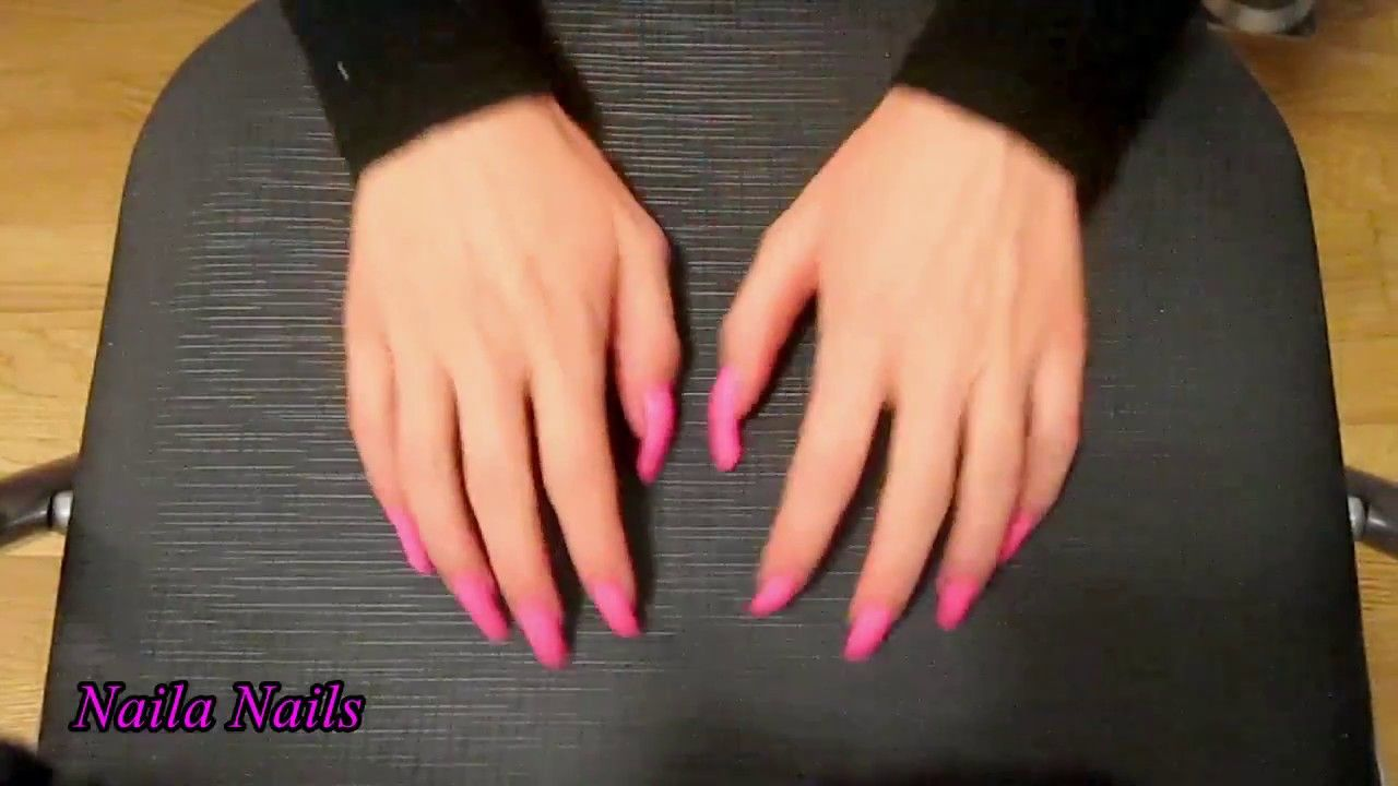 Scratching a soft plastic chair with my natural long nails   Naila ...