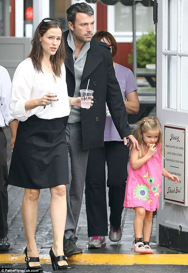 Picture Perfect Family After Seven Years Of Marriage And Three Beautiful Children Later Jennifer Garner And Ben Affleck Are More In Love Than Ever The Hollywo