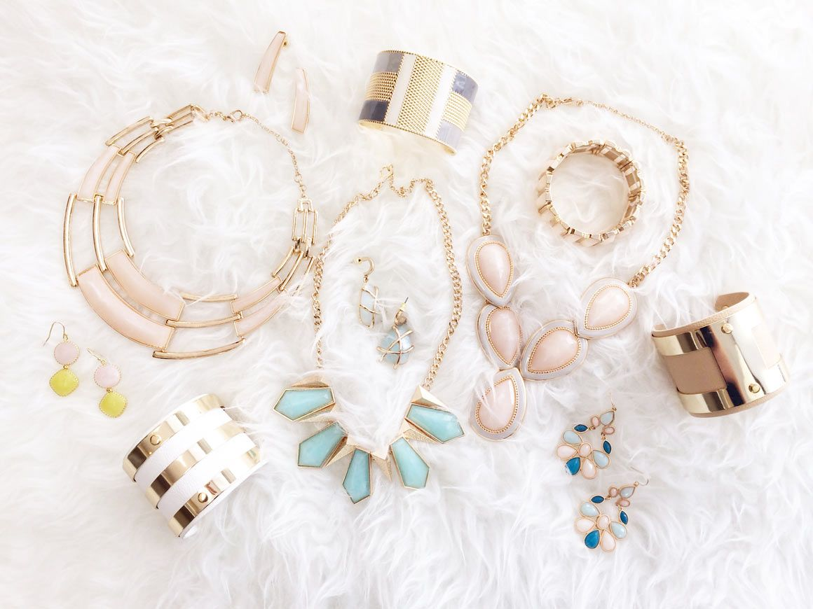 Olia Box Olia Box is a monthly jewelry subscription box