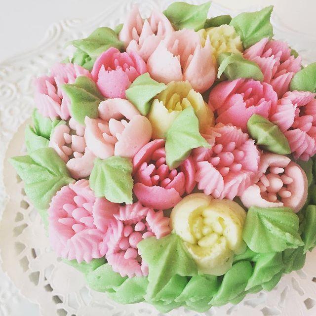 #ameliasdesserts #mothersday #petitedesserts #birthdaycake
