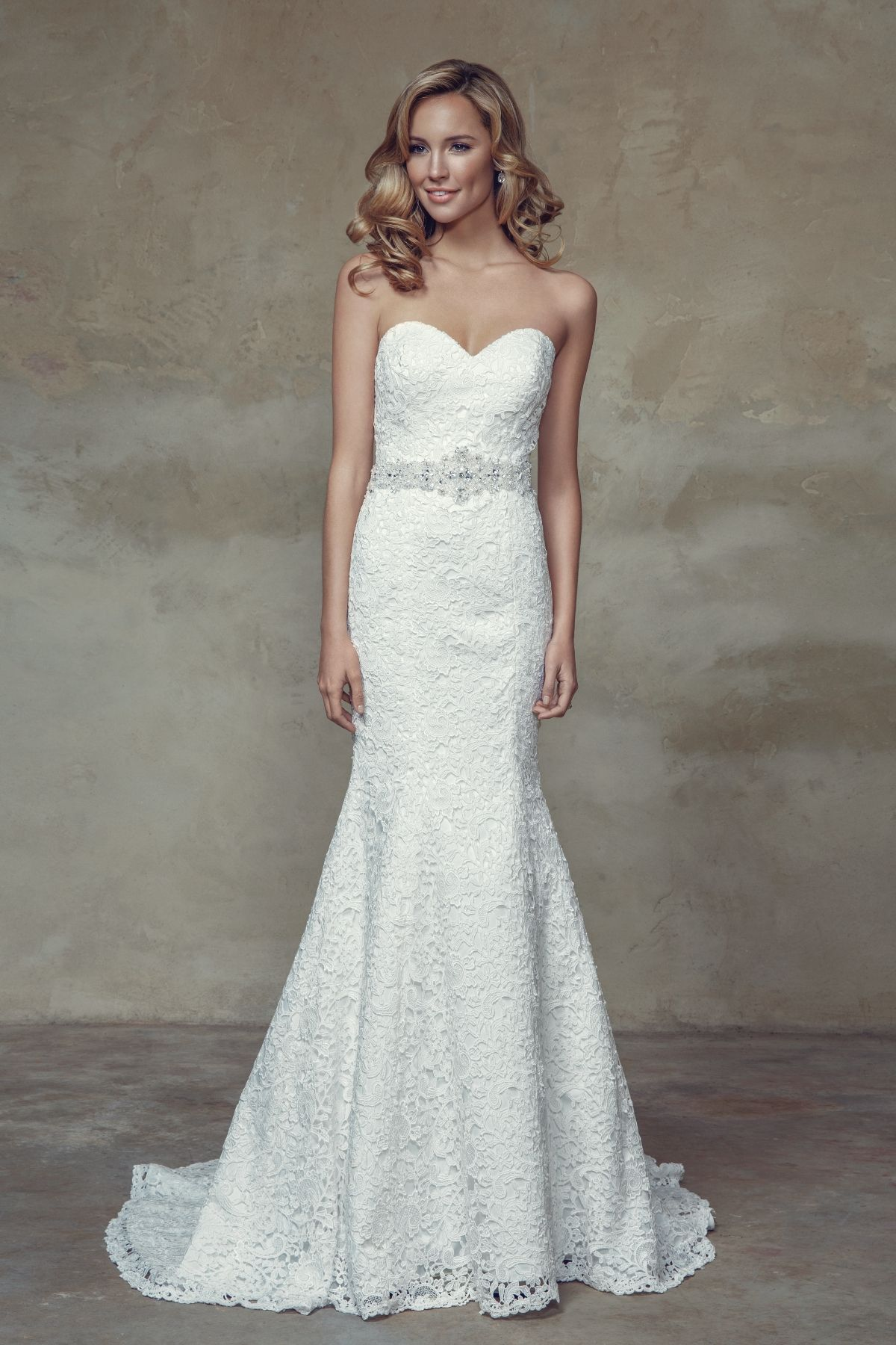 M1522L Brighton - Lace slim A-line wedding dress with sweetheart ...