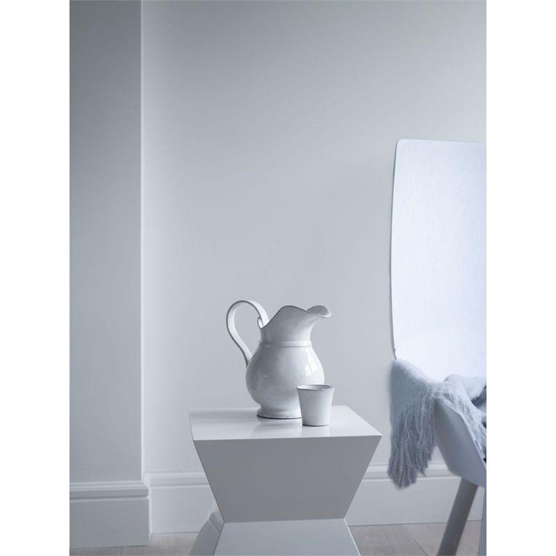 Dulux Pure Brilliant White Matt Emulsion Paint 10l Kitchen And Bathroom Paint Painting Bathroom Dulux