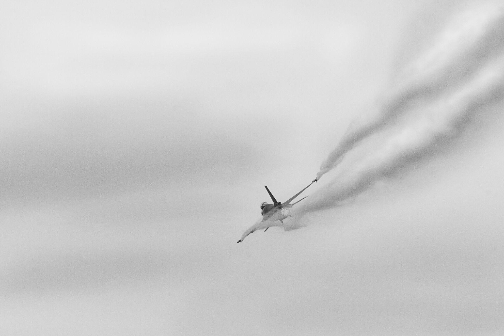 F16 by Matej Opálený / 500px