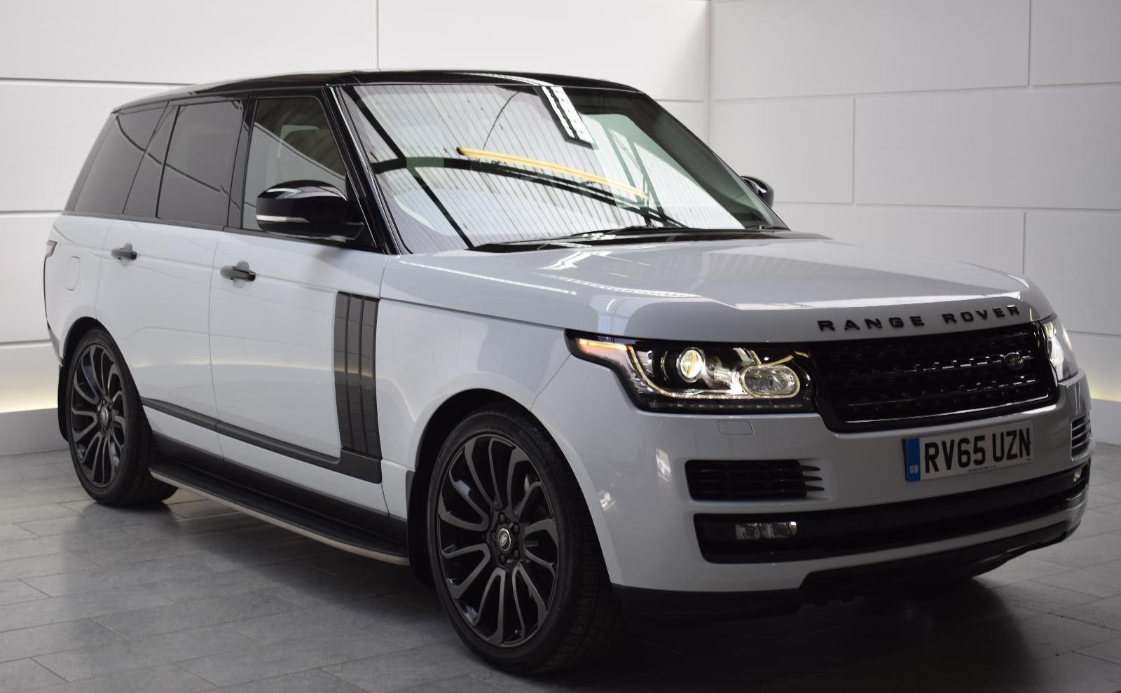 yulong white range rover autos and toys range rover. Black Bedroom Furniture Sets. Home Design Ideas