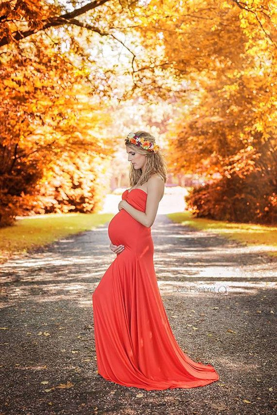 Items similar to Linea dress / maternity gown / maternity shoot / photography / maternity dress on Etsy