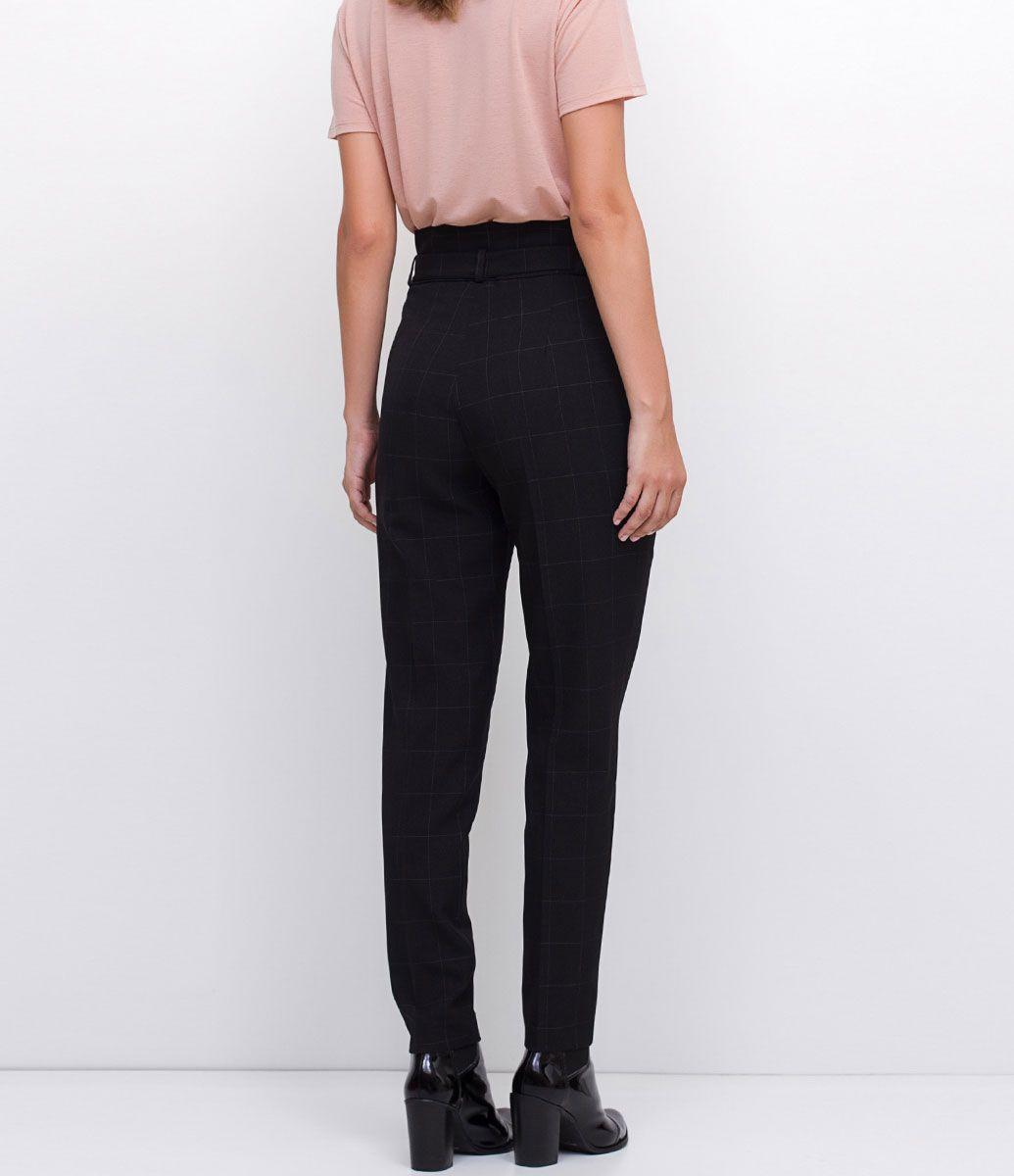 277a6b7ed Calça feminina Modelo reta Com cinto Marca: Cortelle Tecido: Alfaiataria  Modelo veste tamanho: 36 COLEÇÃO INVERNO 2017 Veja outras opções de calças  ...