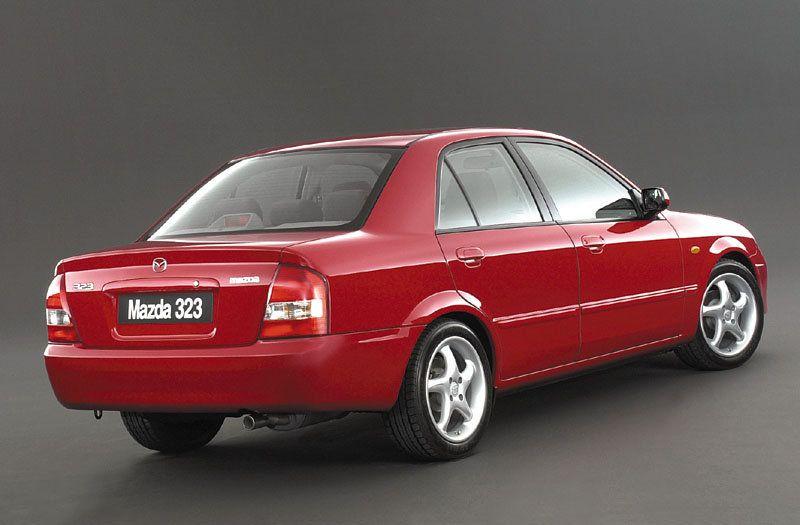 The PW - trotjänaren från 2003 med 9000mil på mätaren. En typisk A->B bil. På væg ut ur garaget, landat hos sonen med nytt kørkort :-)