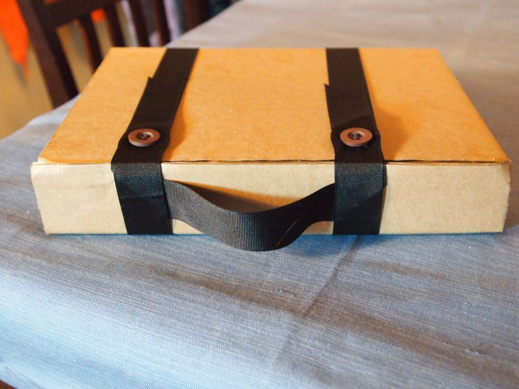 Cardboard Tablet Case With Handle Diy cardboard, Diy