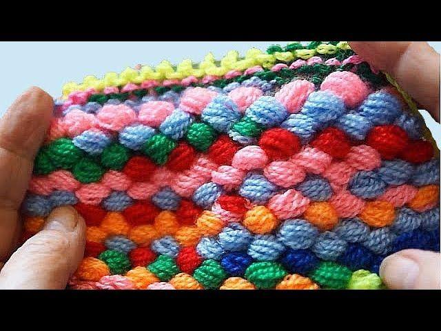 коврик из помпонной самодельной пряжи спицы и крючок вязание