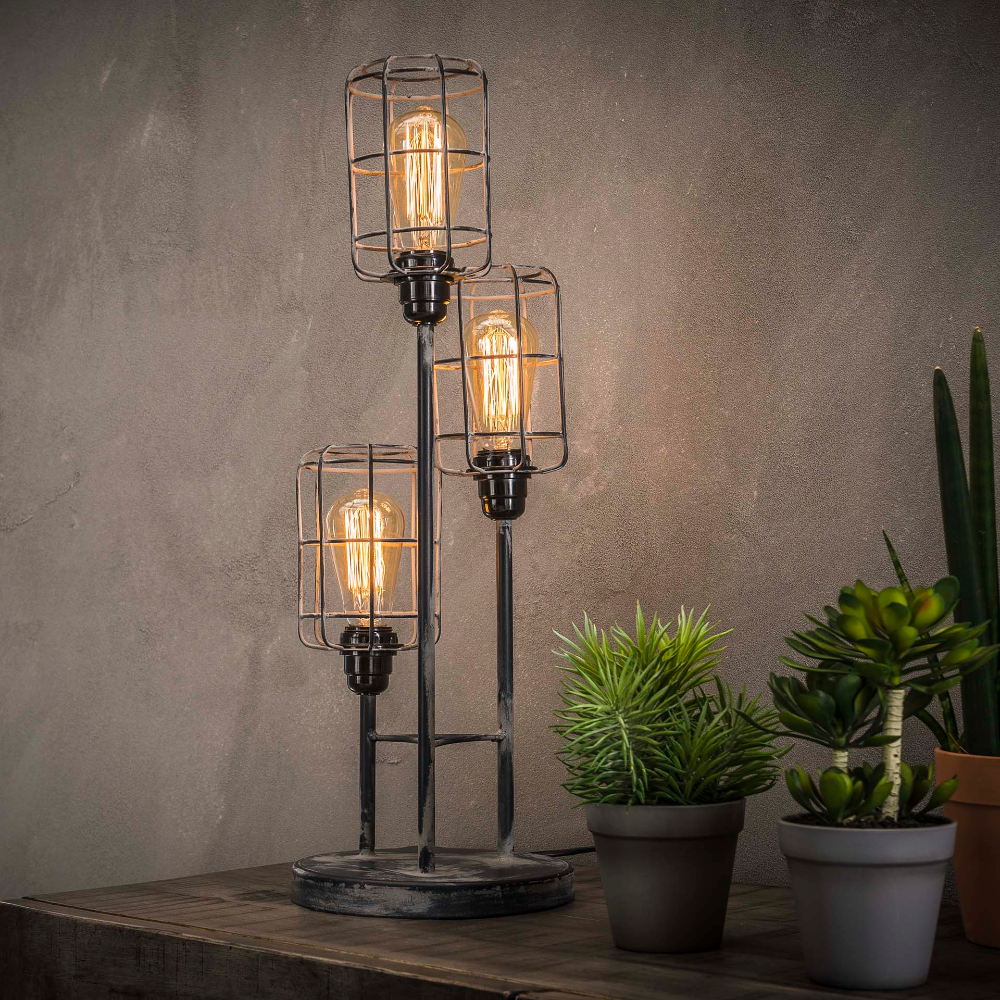 Lampe A Poser Industrielle 3 Lampes Etagees Grillage Tribeca Lampe A Poser Lamp Lampes De Table