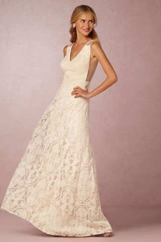 This wedding dress has a very sexy back! Wow! – Pendleton Gown