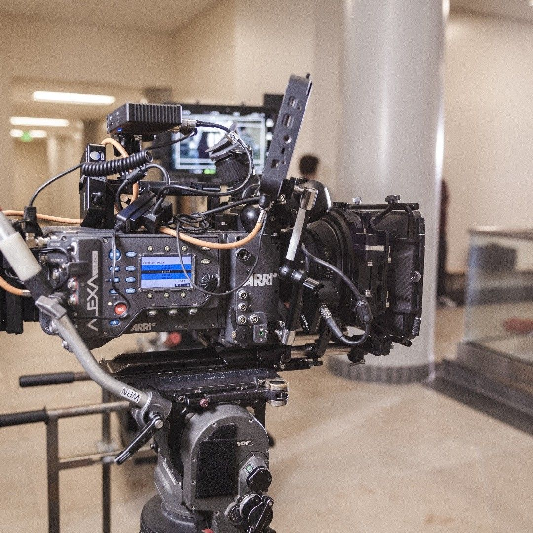 Pin By Db Media Studio On Fifi Tingzz Film Set Behind The Scenes Scenes