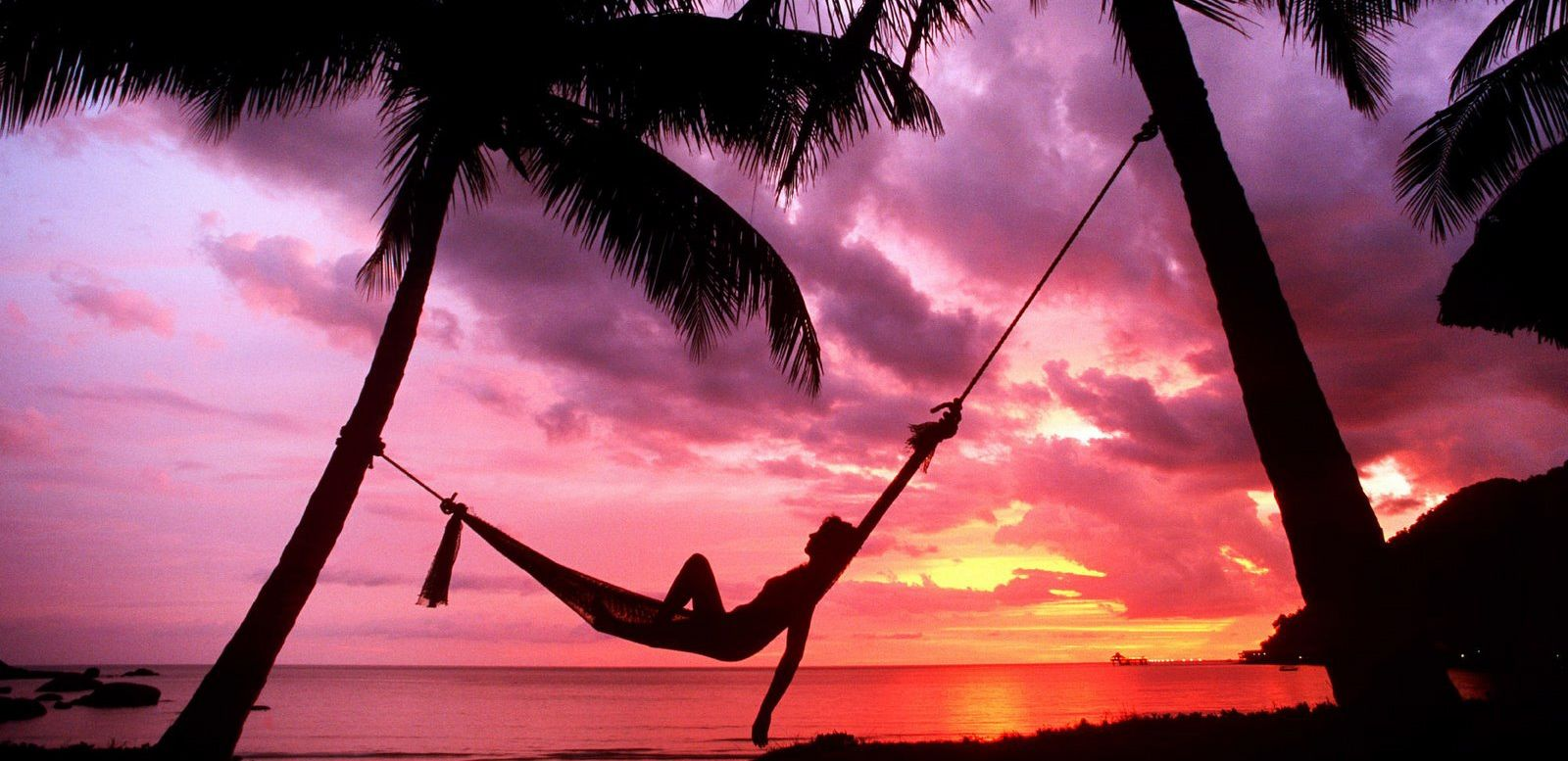 Hammocks on the beach at night - Hammock On The Beach Man And I Didn T Have