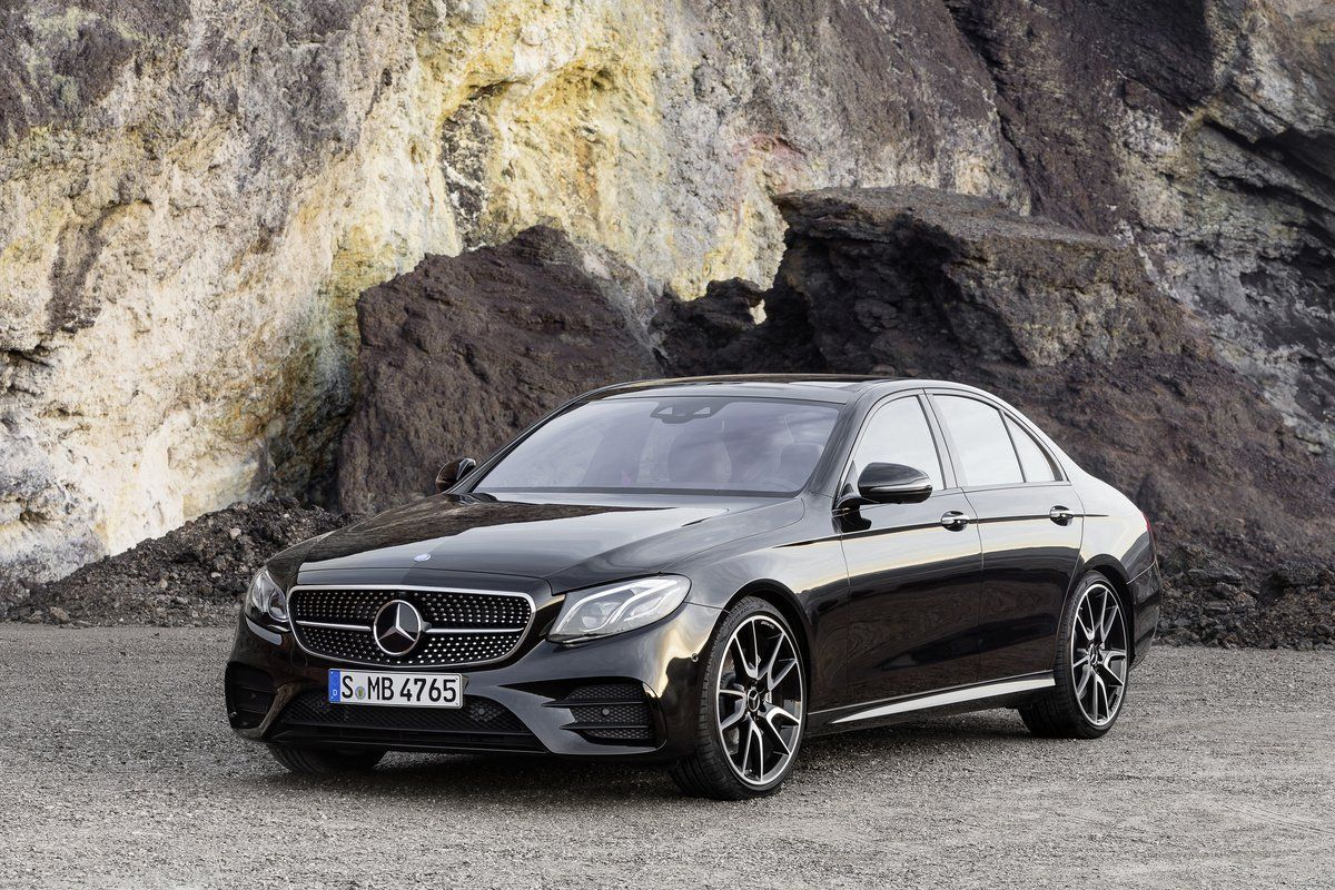 The New 2017 Mercedes Amg E43 That Slots Below The Monster E63 Amg
