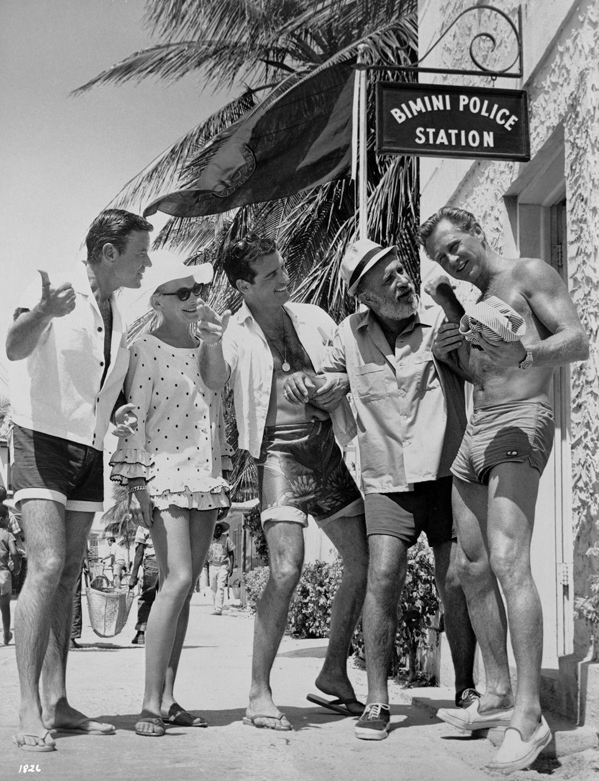 Marshall Thompson Shirley Eaton Brian Kelly Keenan Wynn & Lloyd Bridges Location
