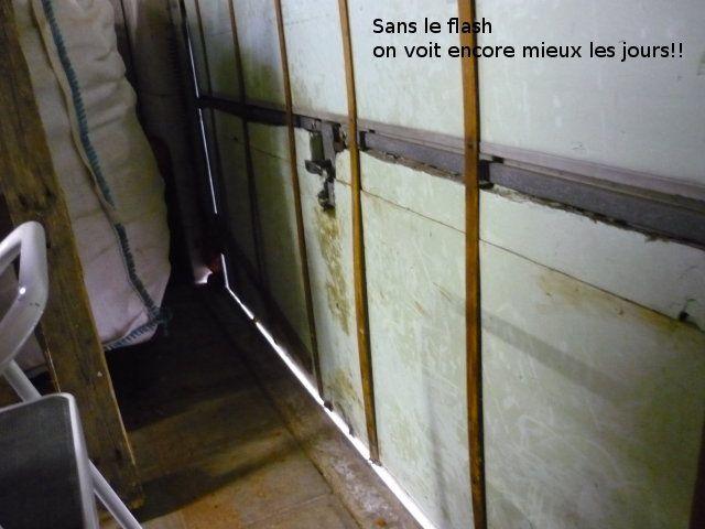 Lutte Contre Les Fuites Et Ponts Thermiques Dans Un Garage Et Sur Une Porte  De Garage, Reportage Photos. Episode 1 Sur 2 (je Pense Que .