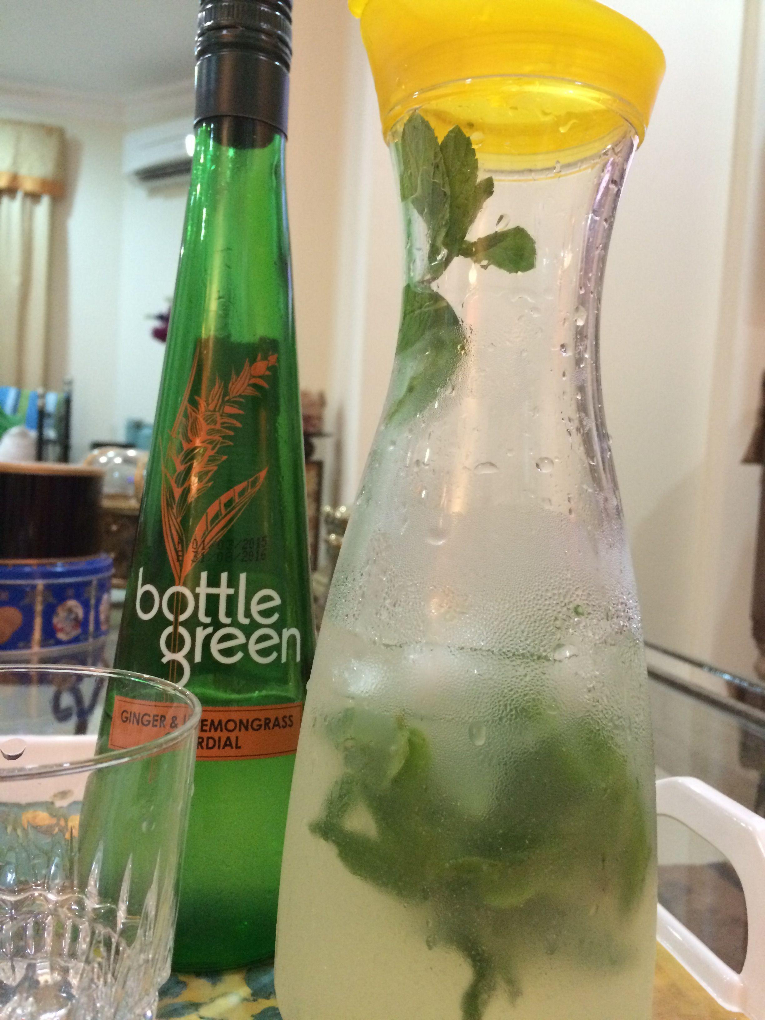 ربع كوب من عصير بوتل غرين زنجبيل وعشبة الليمون ٤ ليمونات خضر معصورات عصير ليمون المراعي حجم صغير زجاجة ماء فوارة Green Bottle Dish Soap Bottle Soap Bottle