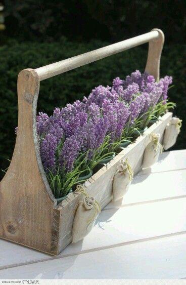 Creare Un Giardino Sul Balcone | Lavender, Spring Decorations And Floral  Arrangement