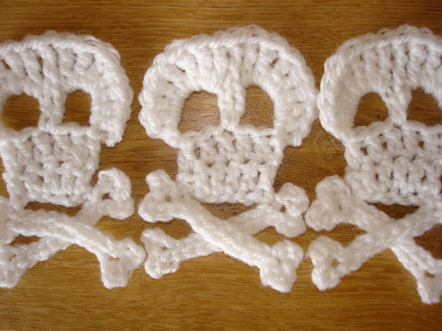 Crochet Skull And Cross Bones Pattern