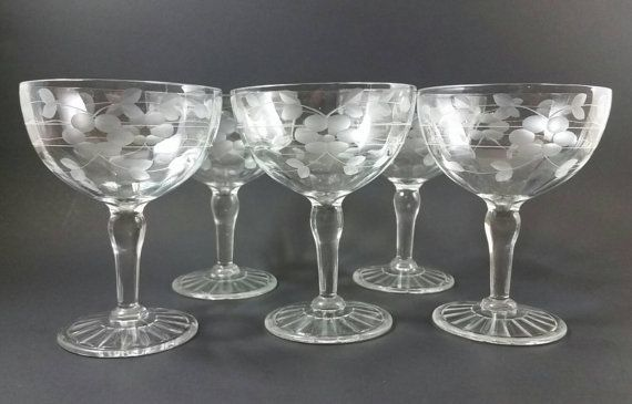 Check out this item in my Etsy shop https://www.etsy.com/listing/223443260/set-of-5-vintage-gray-cut-champagne