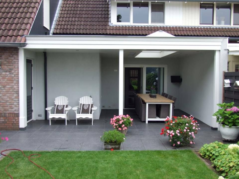 Een terrasoverkapping is een goede investering in uw huis. U geniet dagelijks van extra leefruimte en het is een zeer goede investering die zijn waarde behoud! Voor meer inspiratie voor mogelijkheden kijk op www.timmerbedrijfenter.nl