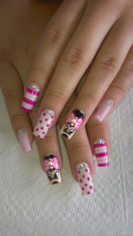 Uñas en resina de Minnie! Nails Minnie | diseño de unas | Pinterest ...