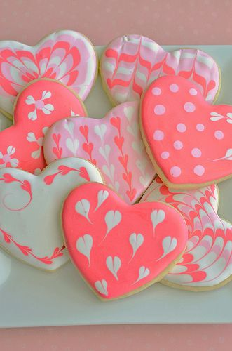 sugar cookie hearts w/ flow icing