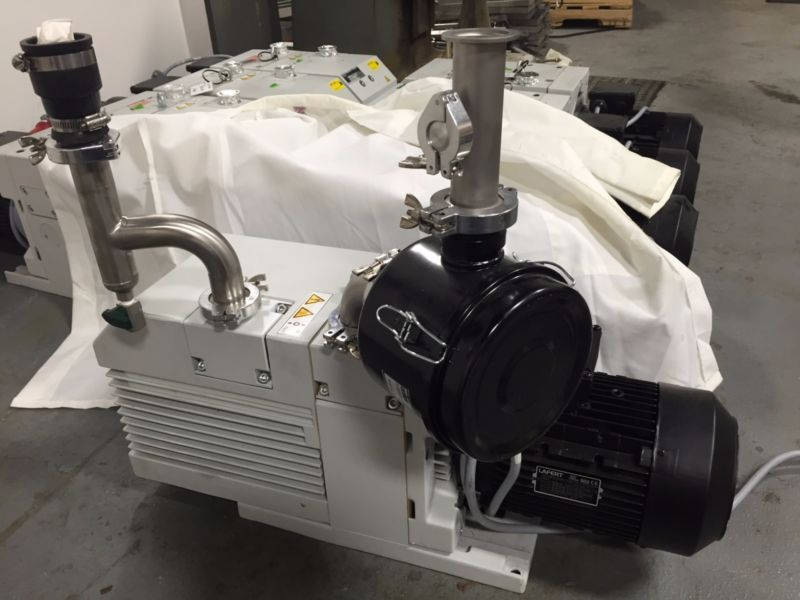 Details About Trivac Oerlikon Leybold Vacuum Pump D65b Low Hours It Was Used With Air Filter Vacuum Pump Pumps Air Filter
