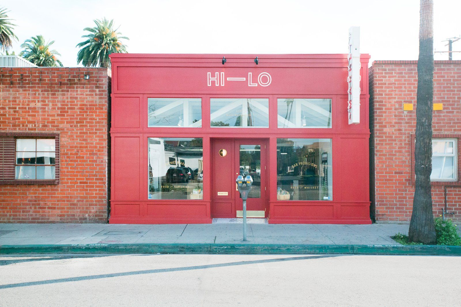 A Modern Liquor Market In Culver City Reminds The Neighborhood To Drink Well Store Architecture Commercial And Office Architecture Retail Facade