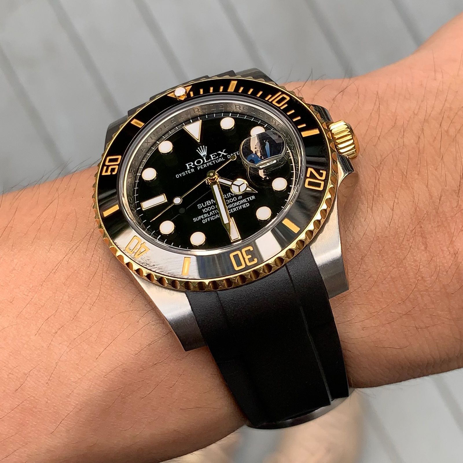 Rolex Submariner With Date Curved End Rubber Strap 6 Digits Rolex Luxury Watches For Men Rolex Submariner