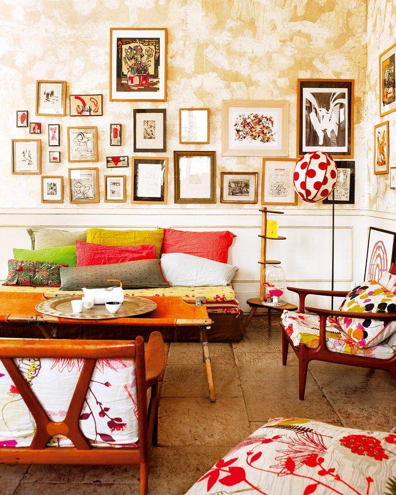 La Force Creative D Un Appartement Atelier A Nimes Appartement Colore Decoration Salon Et Salon Vintage
