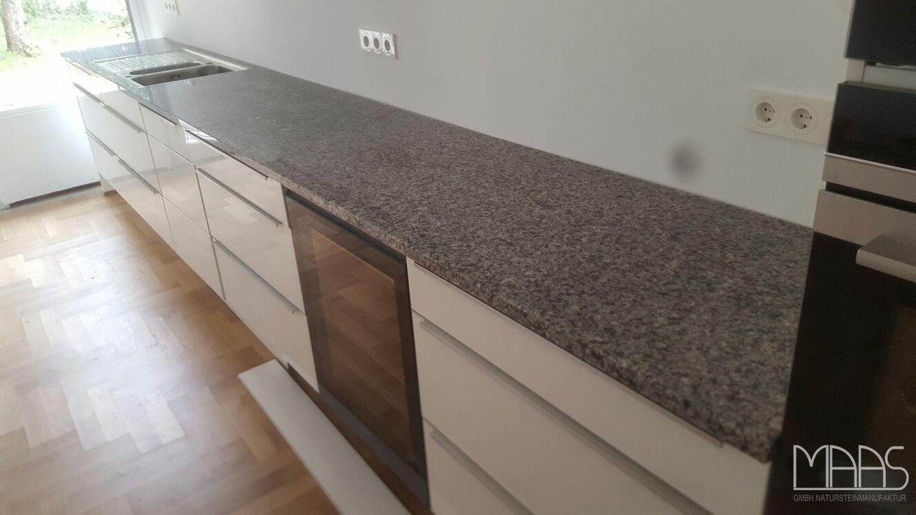 Vor Kurzem Ging Die Lieferung Der Azul Platino Granit Arbeitsplatten Zu Unseren Kunden Aus Darmstadt Http Www Maasgmbh Com Aktuelle Home Decor Decor Home