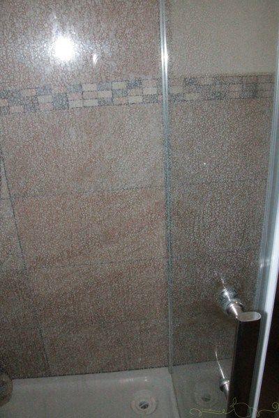 putztipp duschwand ruck zuck sauber pinterest haushalte duschwand und reinigen. Black Bedroom Furniture Sets. Home Design Ideas