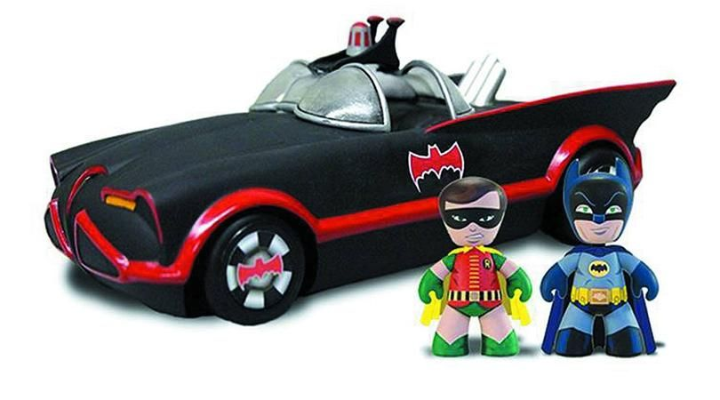 Mezco Toys Mini Mez-Itz - 1966 Classic Batmobile with Batman and Robin