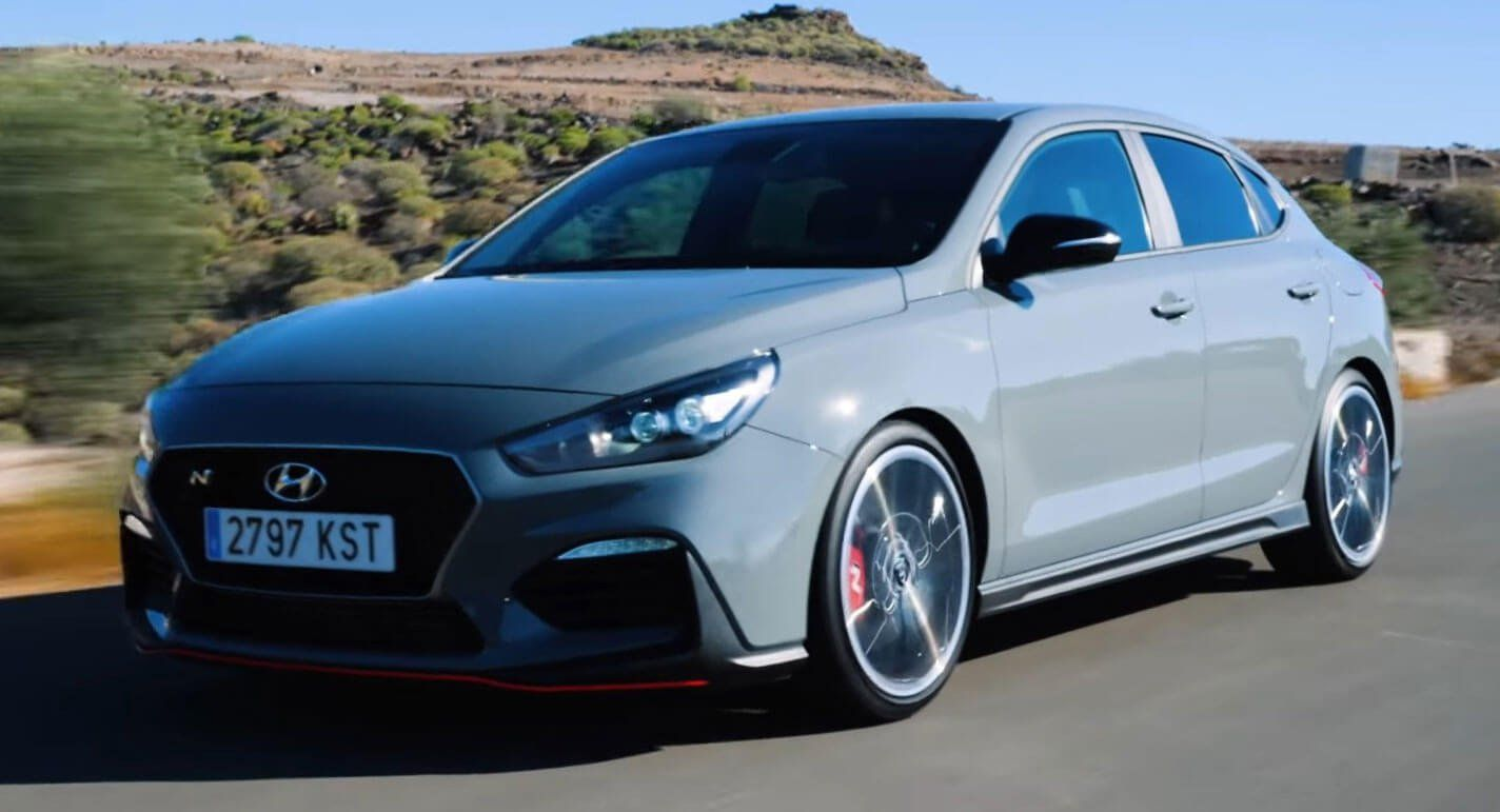 Hyundai I30 Fastback N Is More Practical Than The Hatch But Is It As Exciting Carscoops Hyundai Hatchback Hot Hatch