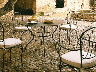 Table de jardin salon-de-jardin-en-fer-forge – Interieur ...