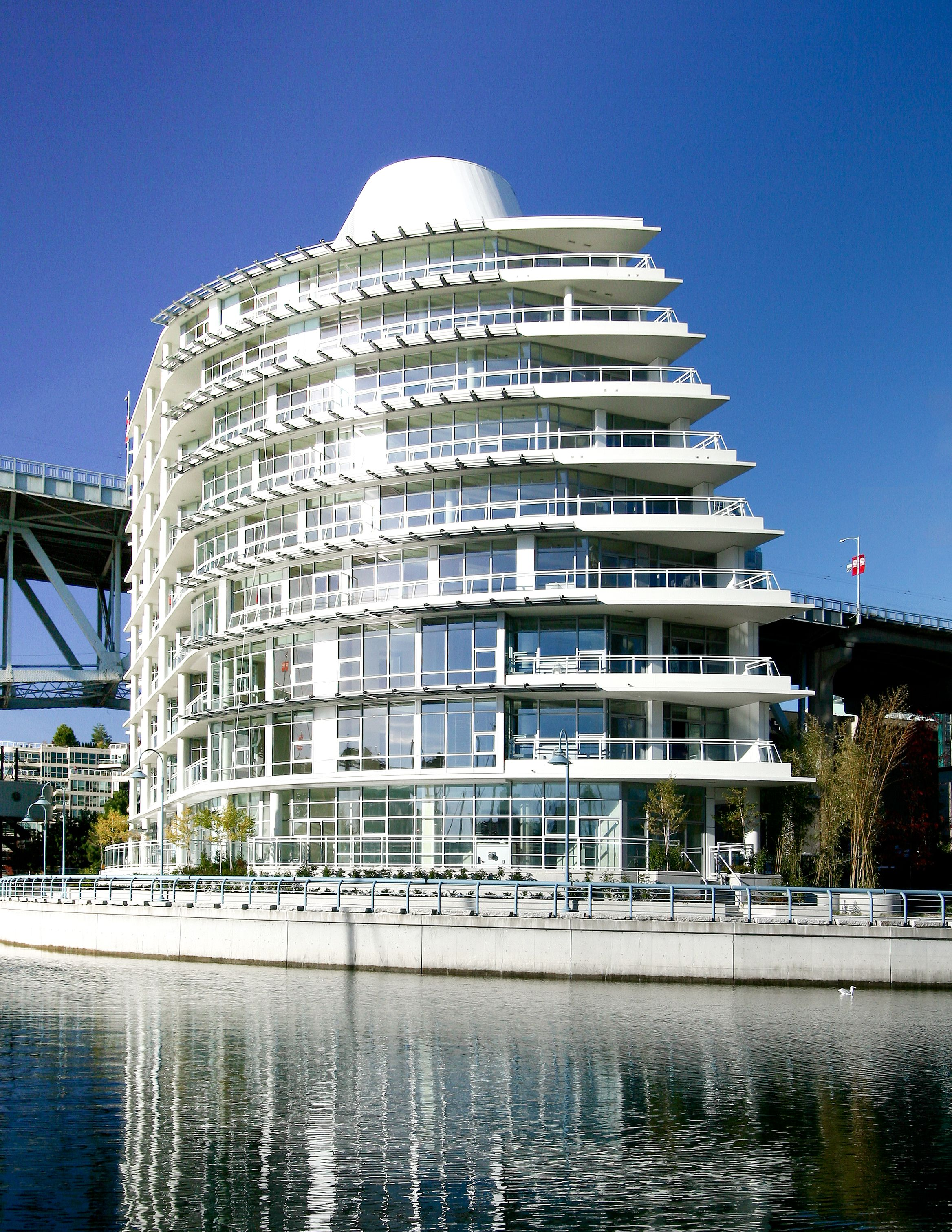 The Silversea Building In Beach Crescent Neighbourhood Of Downtown Vancouver Inspired By Open Ocean Luxury Cruising It S One Concord Pacific Most