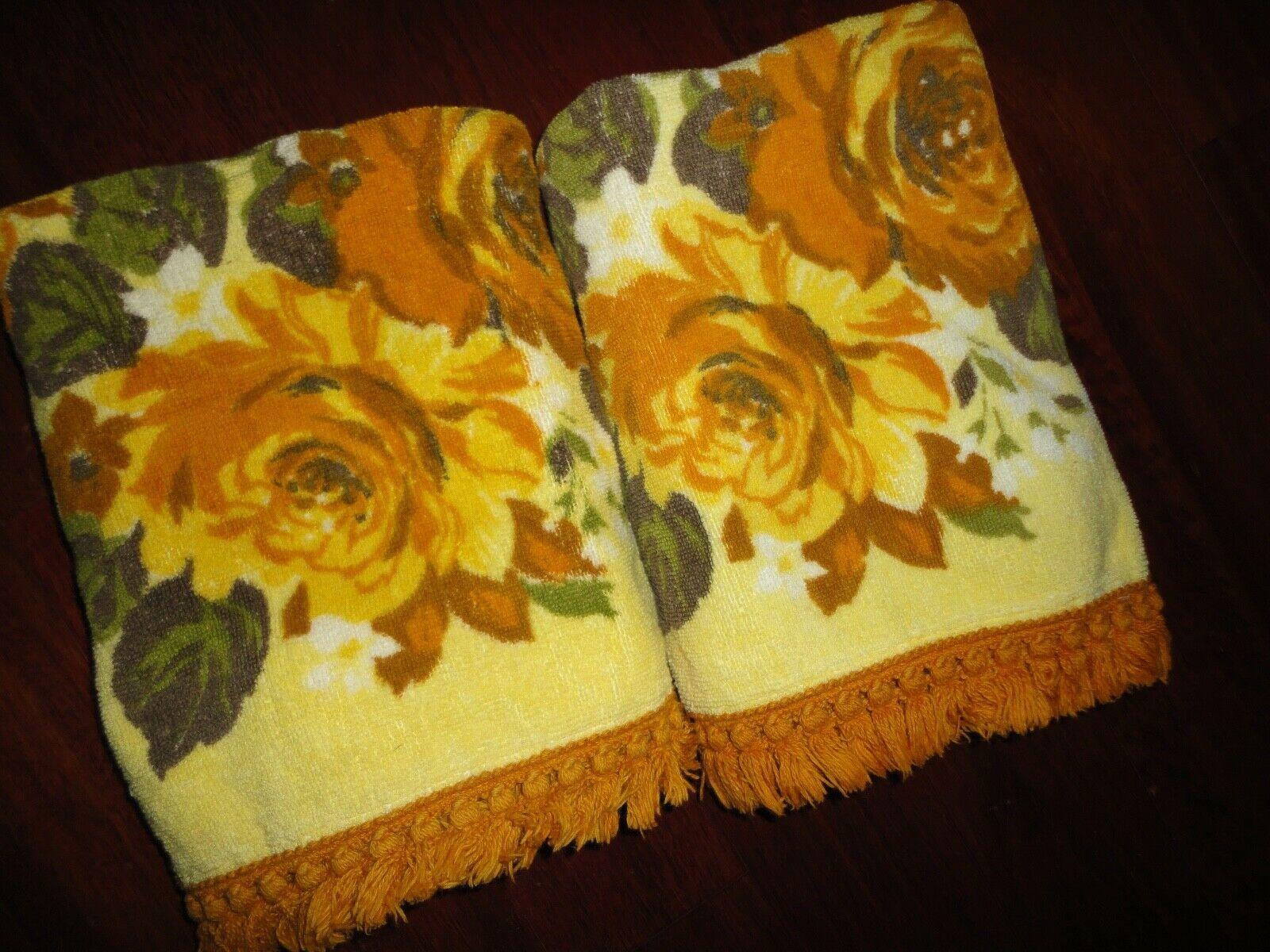 Vintage Sayco Floral Warm Orange Rust Yellow Green 2pc Set Bath
