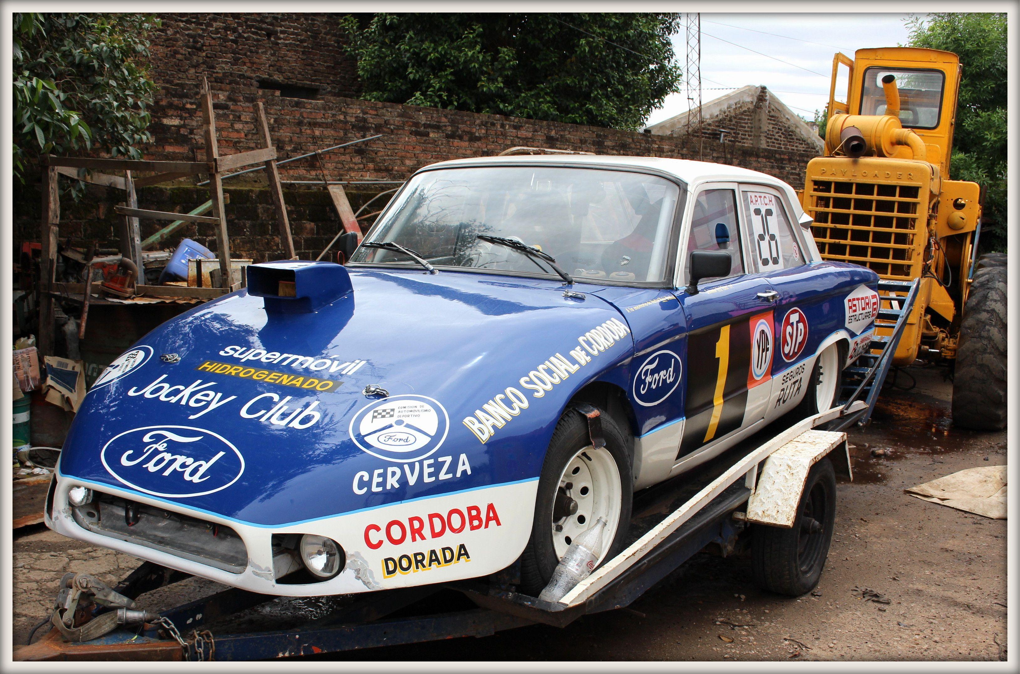 Ford Falcon perteneciente a la Asociación de Pilotos de Turismo de ...