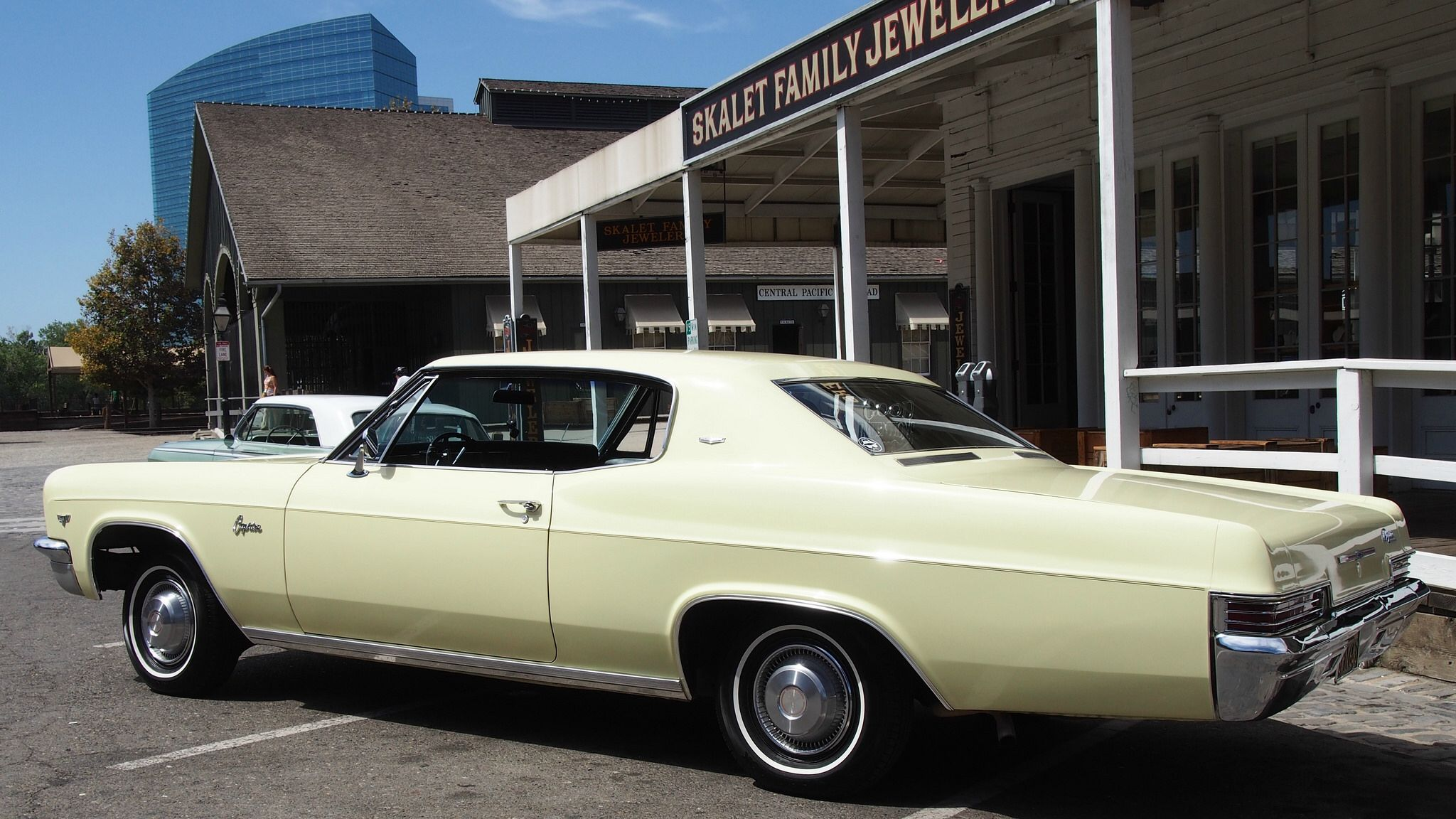 1966 Chevrolet Caprice Hardtiop 'SPN 643' 4 The Grand
