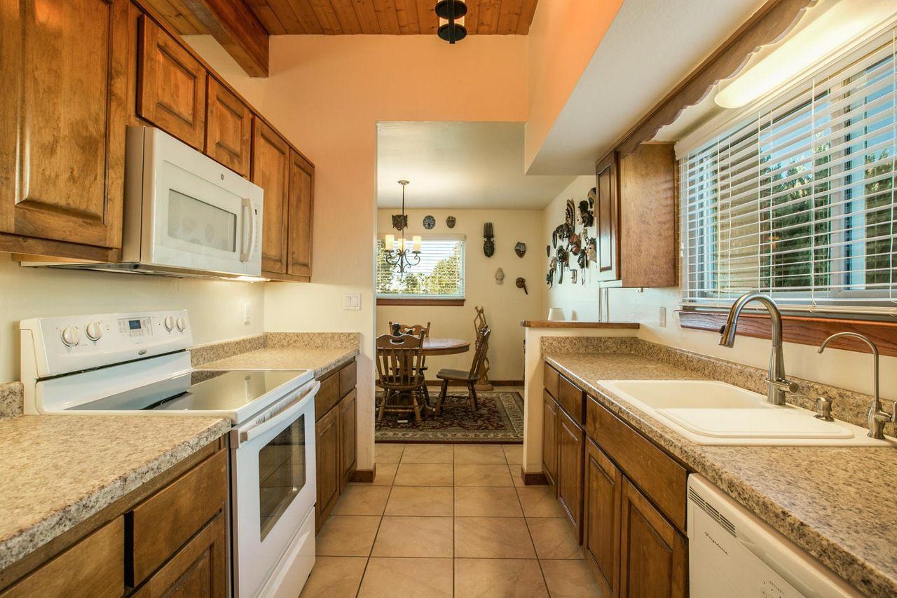 Https Www Redfin Com Nm Albuquerque 1823 Tramway Terrace Loop Ne 87122 Home 92115229 Utm Source Ios Share Utm Medium Kitchen Pantry Kitchen Kitchen Cabinets