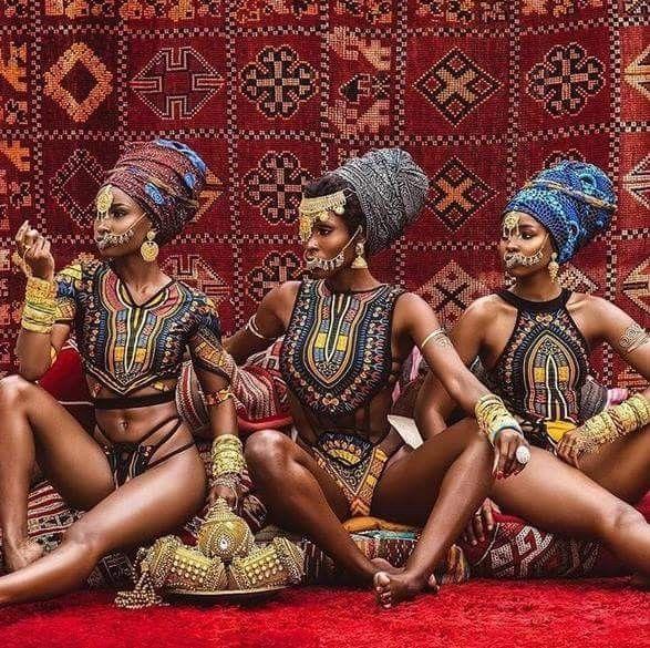 Αφρικανική γυμνή γυναίκα γκέι έφηβος ομάδα πορνό