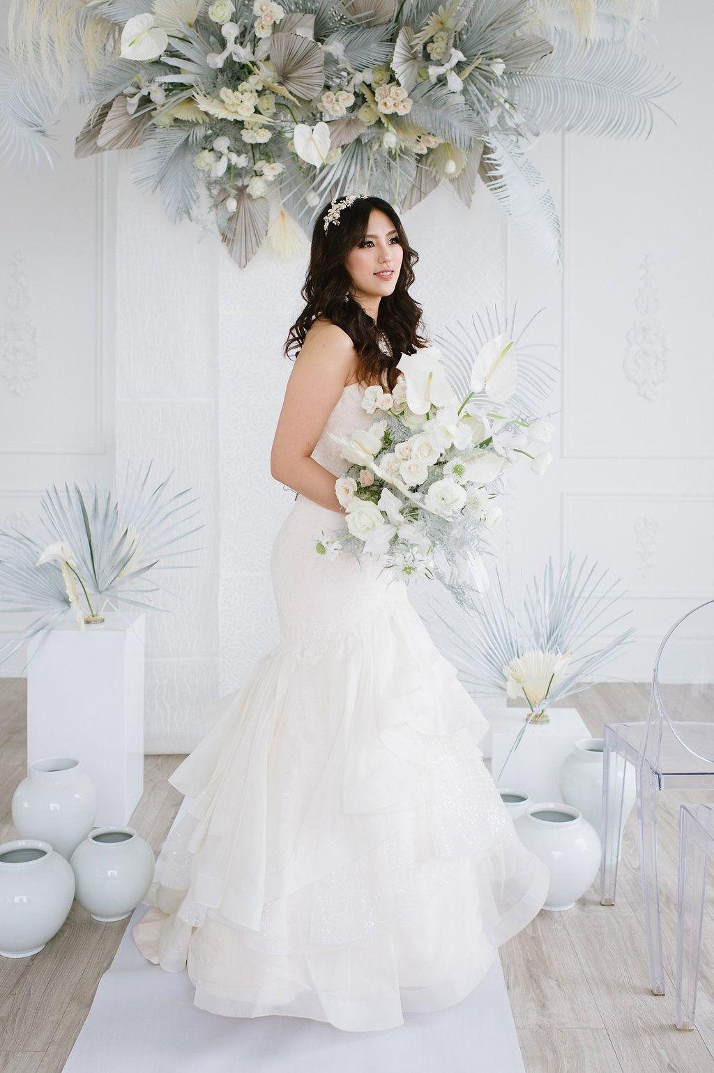 Modern Lux White Wedding Editorial Inspired By Korean Fashion Wedding Wedding Inspiration Shoot White Wedding [ 1539 x 1024 Pixel ]