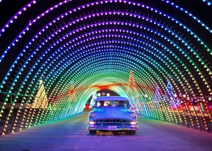 Christmas In Color Is A Drive Through Holiday Light Tour That Has 1 5 Million Sparkling Led Lights All Synchroni Christmas Light Show Light Show Light Display